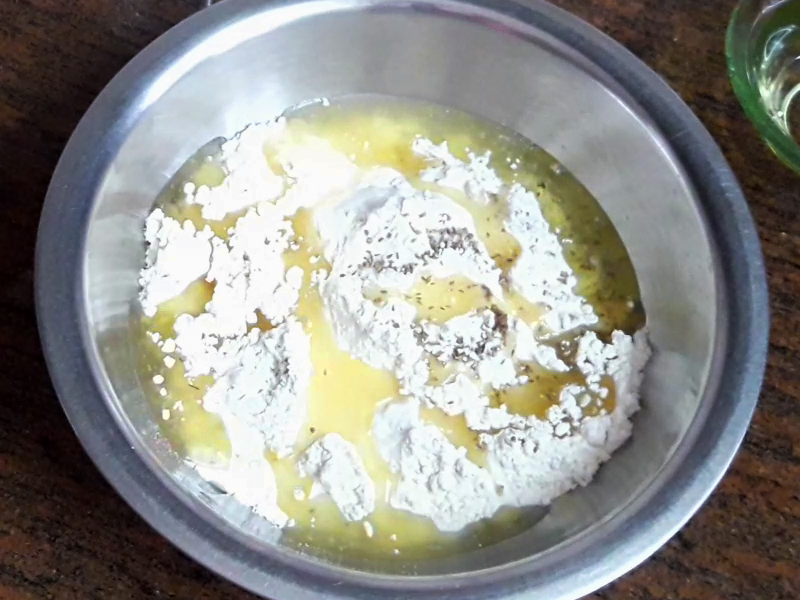 add oil in maida for making samosa pastry