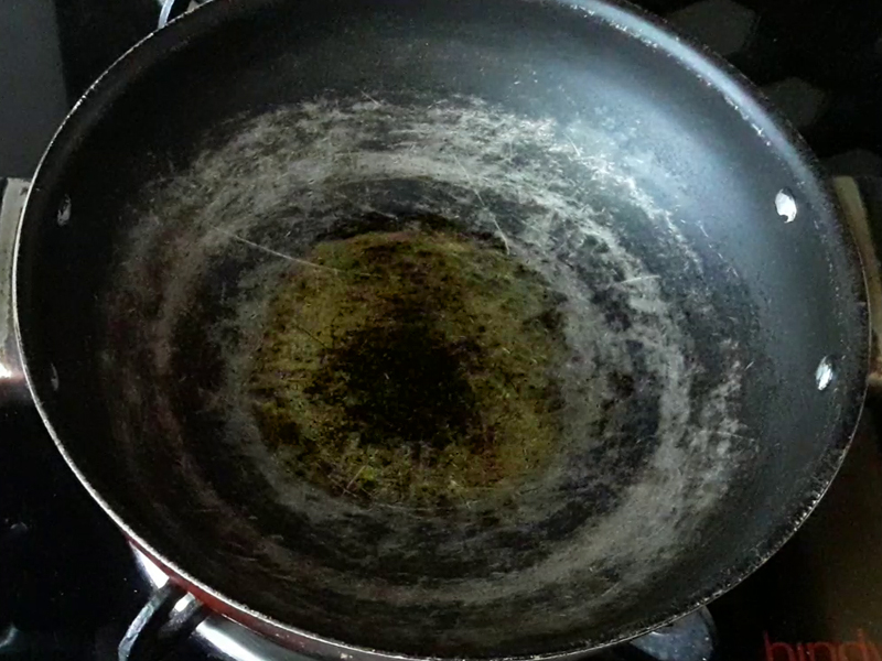 add oil in kadai for making samosa stuffing