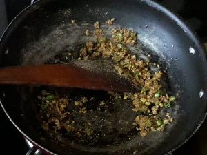 mix all the spices for samosa stuffing