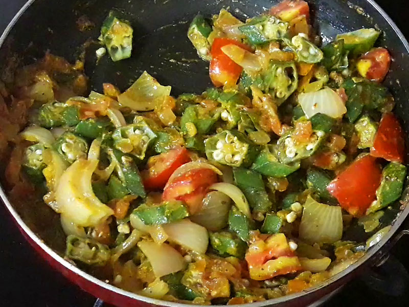 bhindi and tomatoes added in recipe