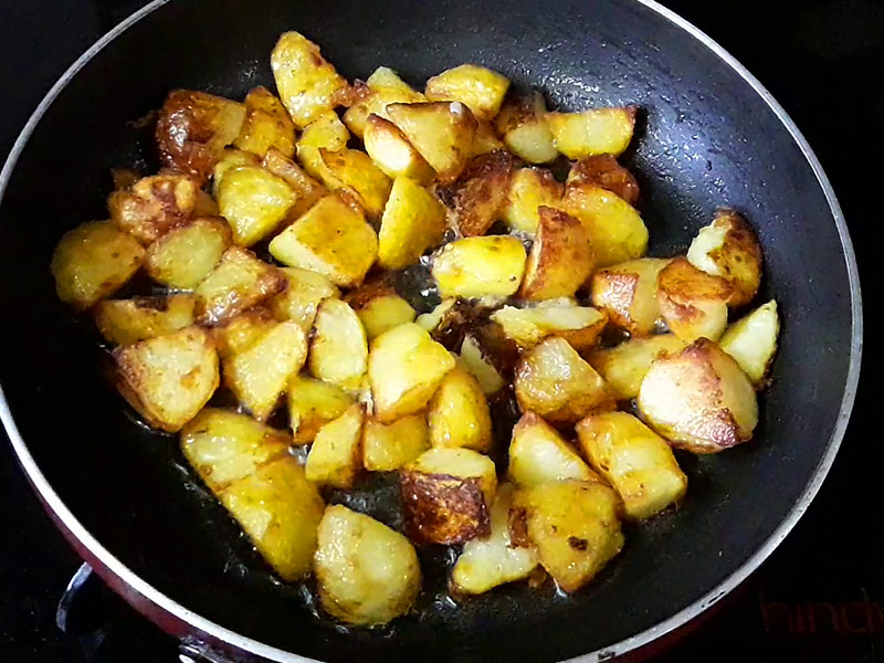 fully-cooked-golden-brown-potatoes